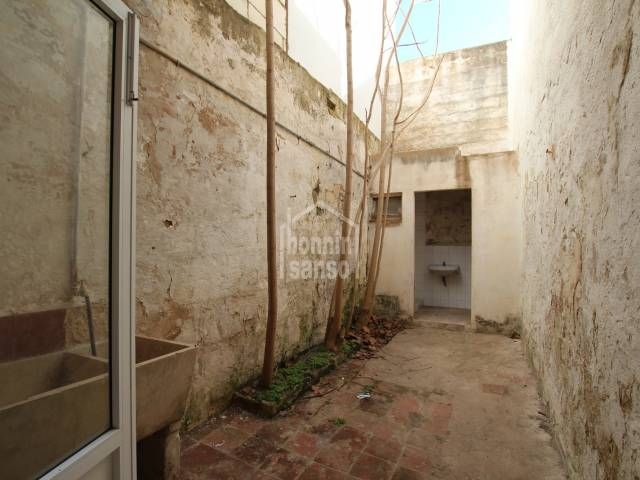 Ground floor town house with patio in Mahon, Menorca