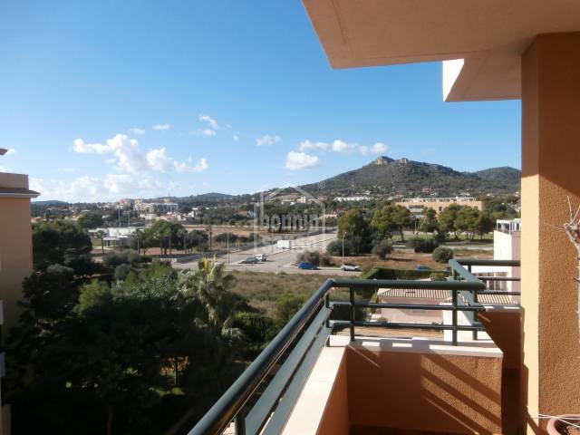 For rent sunny one bedroom apartment a few meters from the beach of Cala Millor.