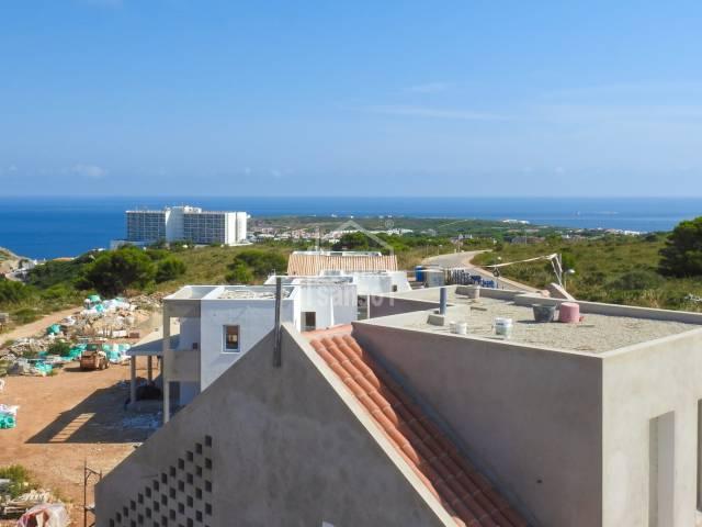 Avantgardistiche Villa mit Meer-Blick in Coves Noves, Menorca
