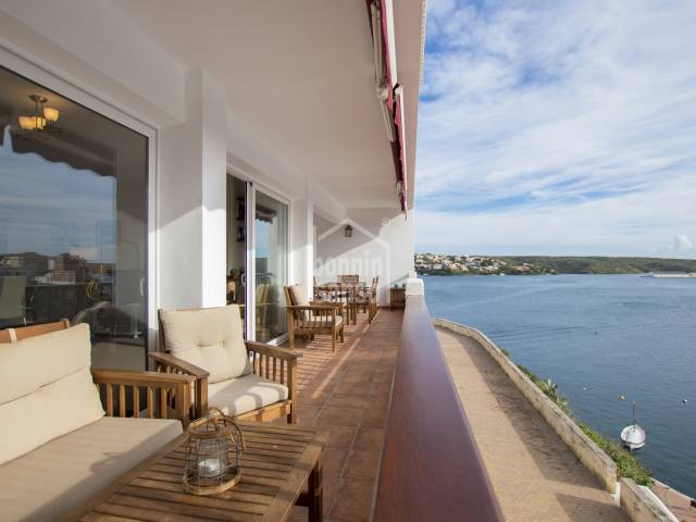 Duplex with spectacular harbour views in Cala Corb, Es Castell, Menorca