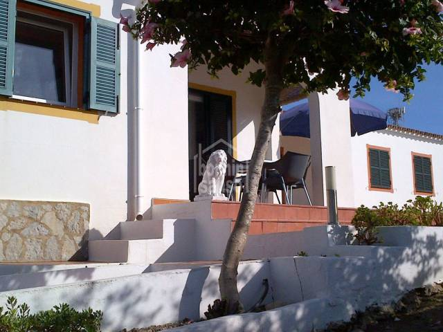 Smart villa in small community with sea views in Calan Porter