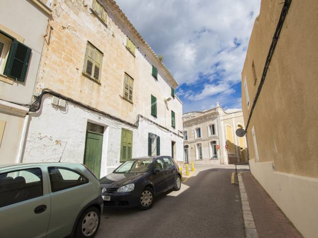 Townhouse in need of reform in the centre of Mahon, Menorca