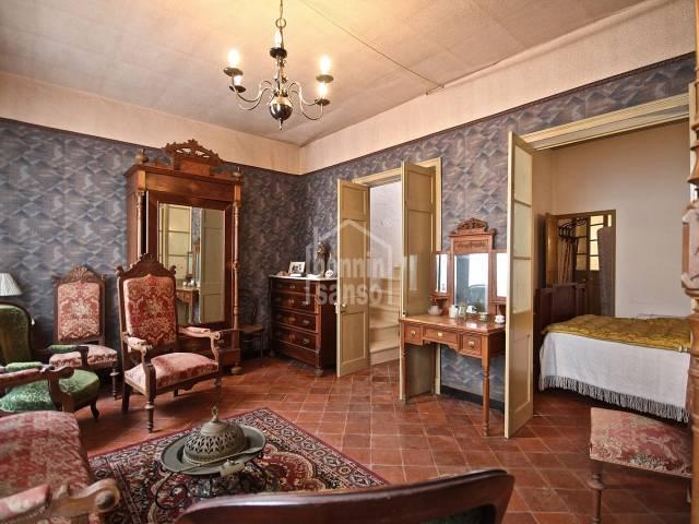 Preciosa casa con caracter en centro de Mahón