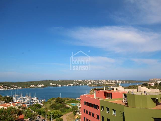 Spacious penthouse apartment with great sea views, Mahon, Menorca