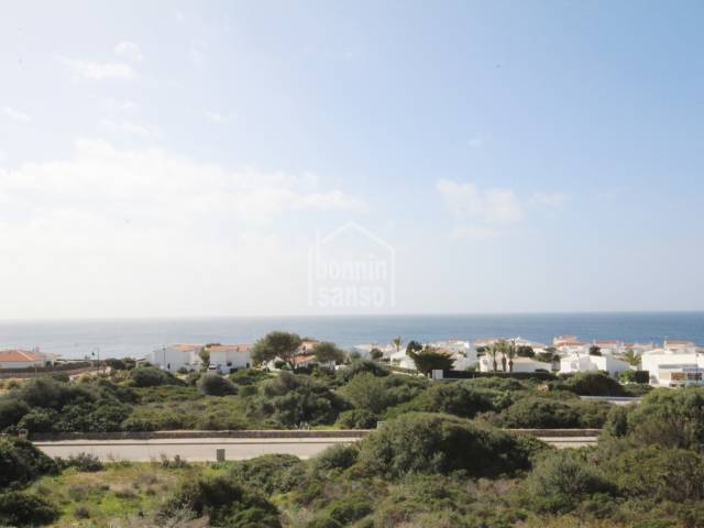 Villa built to a high standard with sea views in Binbeca