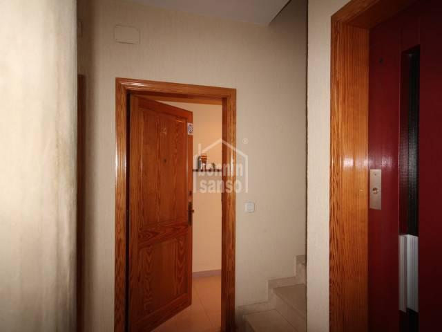 Bonito y luminoso apartamento bien situado en Mahón (Menorca)