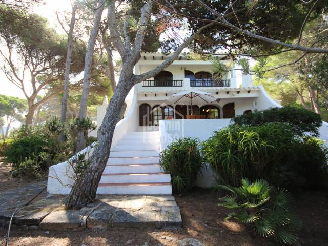 Beautiful villa surrounded by pine trees in Cala Morell, Ciutadella - Menorca