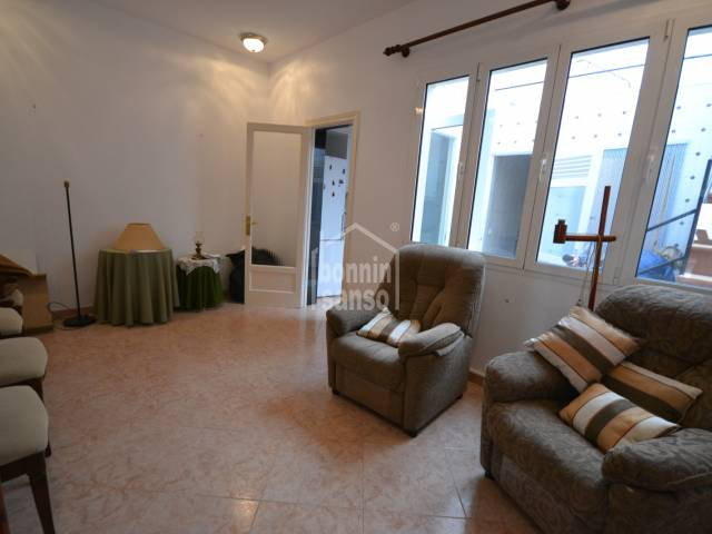 Ground floor apartment with patio two steps from the old Ciutadella centre, Menorca