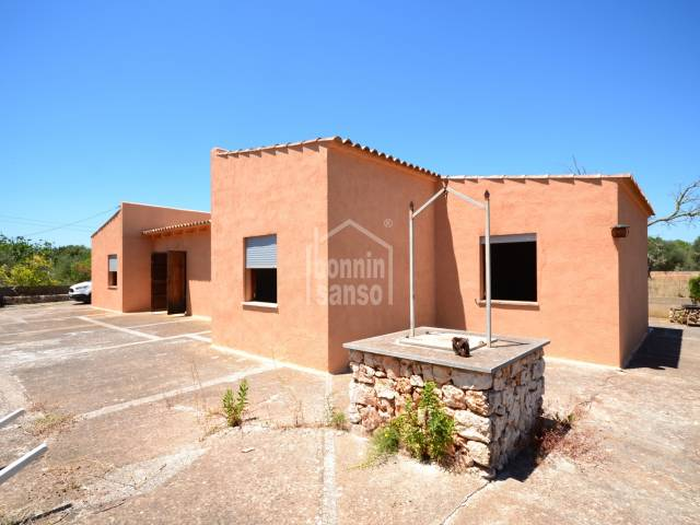 Country house located only 5 minutes to the Beaches of  Sa Coma and S'illot.
