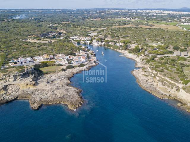 Farm in Binisaida with sea views bordering Cala San Estaban, Menorca.