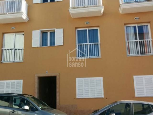 Modern second floor flat with lift, two minutes from the centre of Alayor, Menorca.