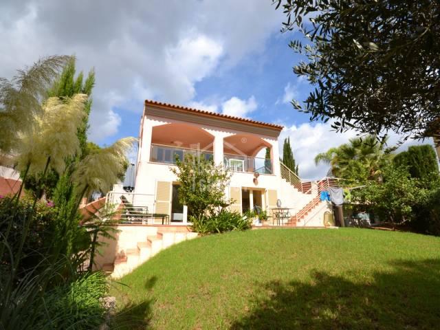 Encantadora casa con piscina situada en la costa de Canyamel. Mallorca