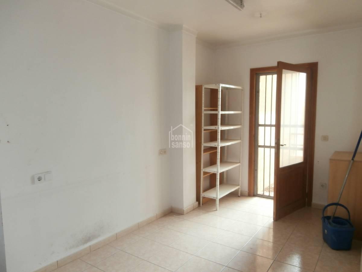 kaufen wohnung mit seitlichem blick 45236. Black Bedroom Furniture Sets. Home Design Ideas