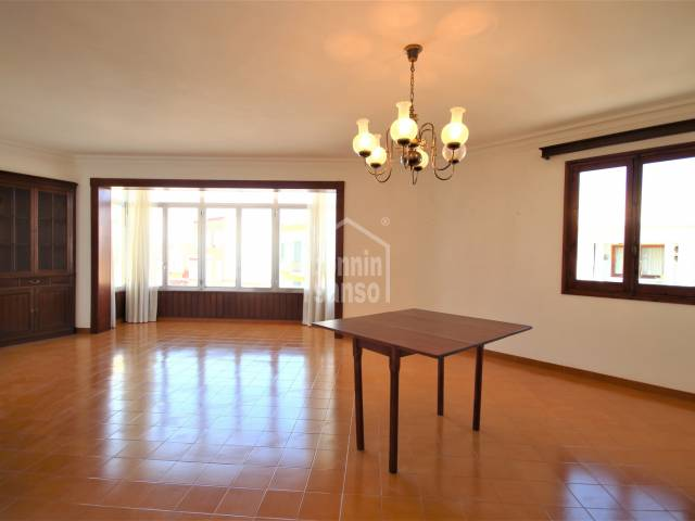 Flat with only 2 neighbours in the area of Pintor Torrent, Ciutadella, Menorca