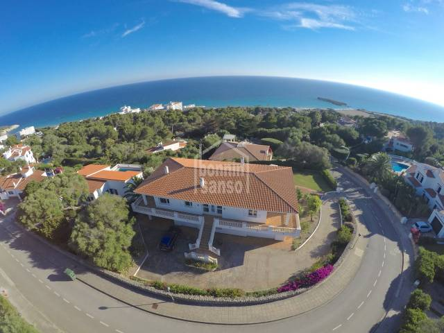 Outstanding sea views from this  Large Chalet in Santo Tomas