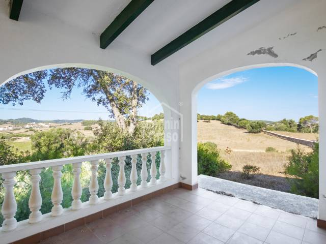 Peace, fresh air, panoramic views over the countryside and the town. Mercadal, Menorca