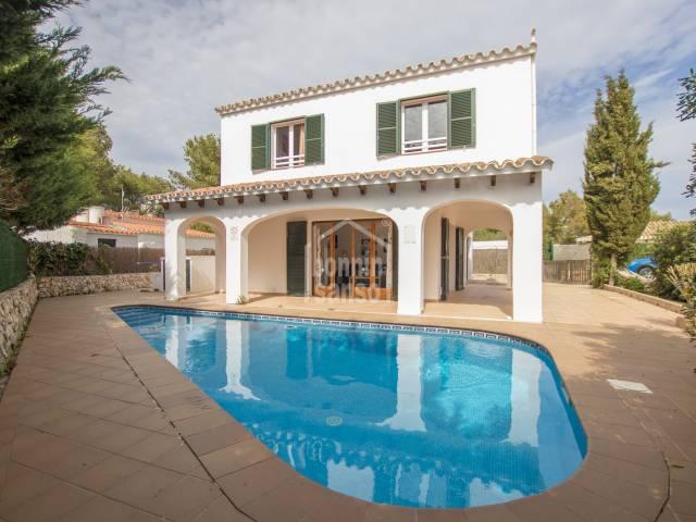 Oportunidad! Bonito chalet con licencia turística situado en Binibeca Vell (Menorca)