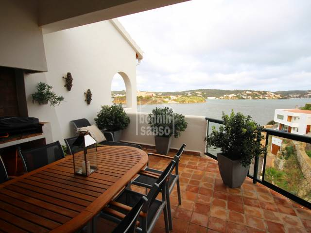 FRONT LINE APARTMENT IN ES CASTELL