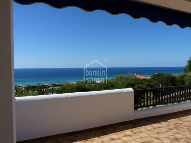 Apartamento con vistas excelentes a la Playa de Son Bou