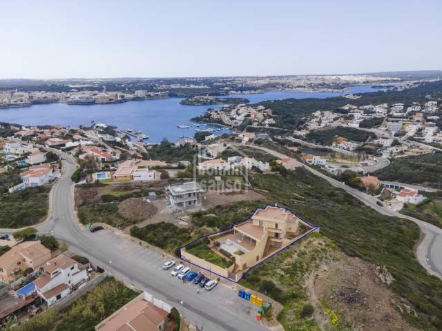 Impresionante chalet con vistas al mar en Cala Llonga, Menorca