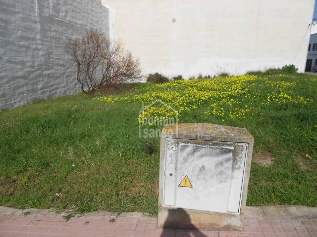 Opportunity to acquire a great plot in Mercadal