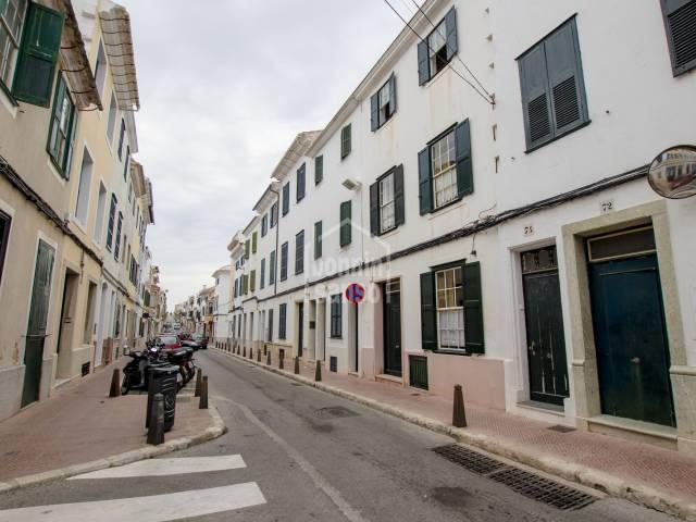 Magnifica casa en el centro de Mahón (Menorca) con gran patio y jardín