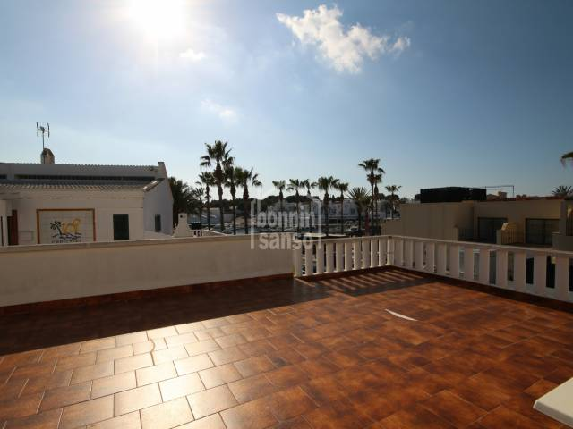 Apartment located in the port of Calan Bosch