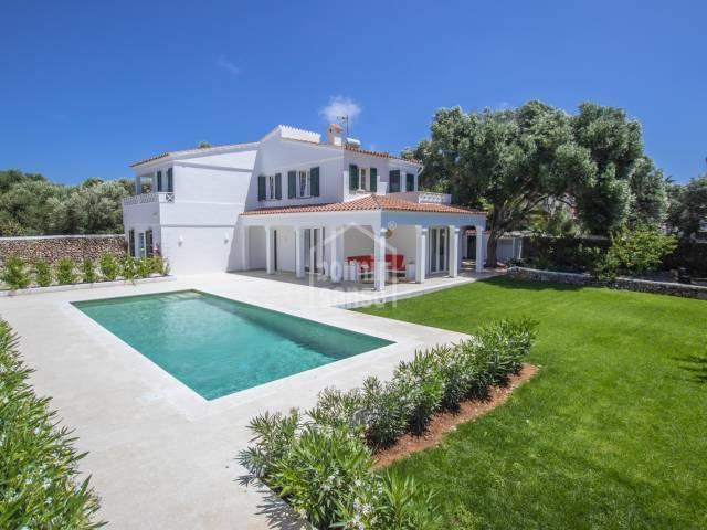 Exquisita propiedad ubicada en zona de tranquilidad y reposo. Trebaluger. Menorca