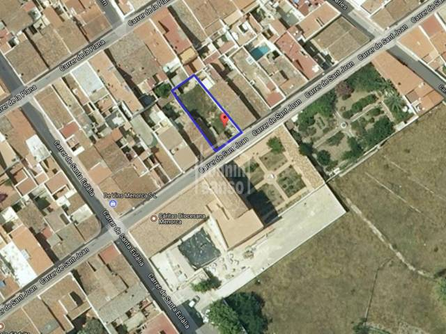 Building plot in Mahon town center