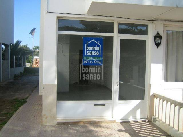Commercial premises in a tourist urbanization in Cuidadela, Menorca.