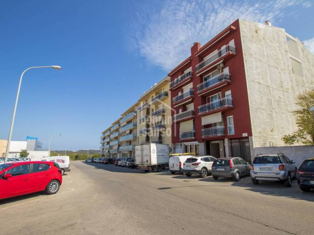 Modern apartment with lift and parking, Mahon, Menorca