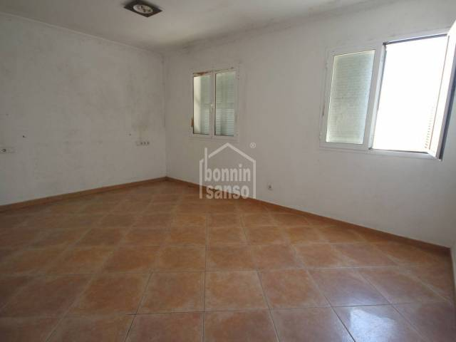 Spacious flat in block with just one neighbour, Ciutadella