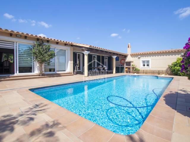 Family villa with lush gardens in Binixica, Menorca
