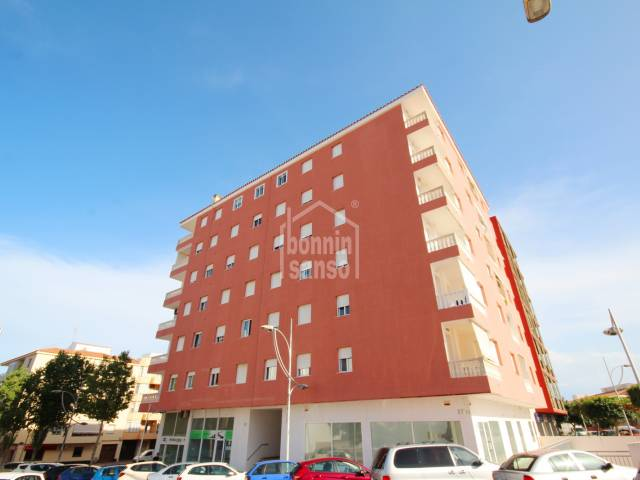 Sexto piso en la zona residencial de Avenida Menorca de Mahón