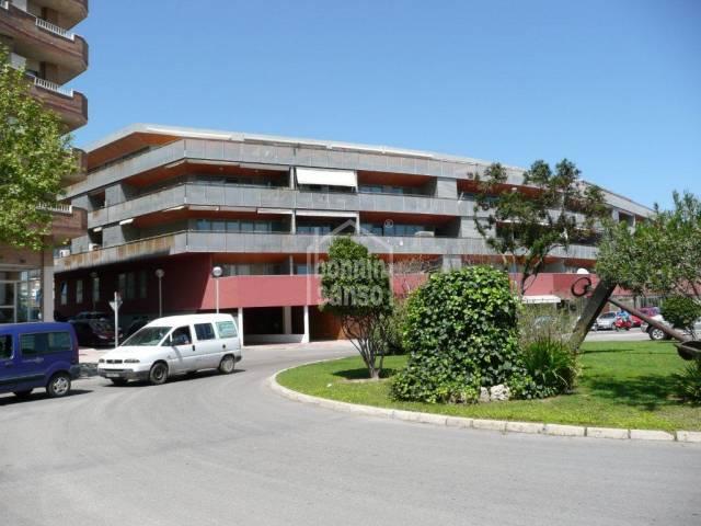 Large second floor duplex in Mahon
