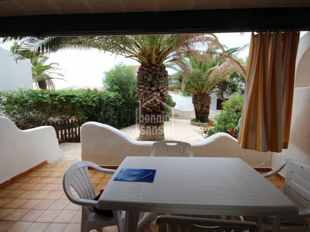 Bella villa indipendente in Cap d'Artrutx in un complesso vicino al mare