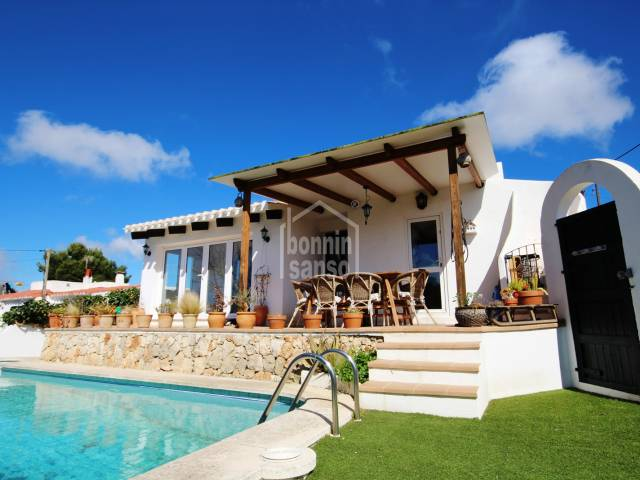 Pretty villa with distant sea views in Calan Porter