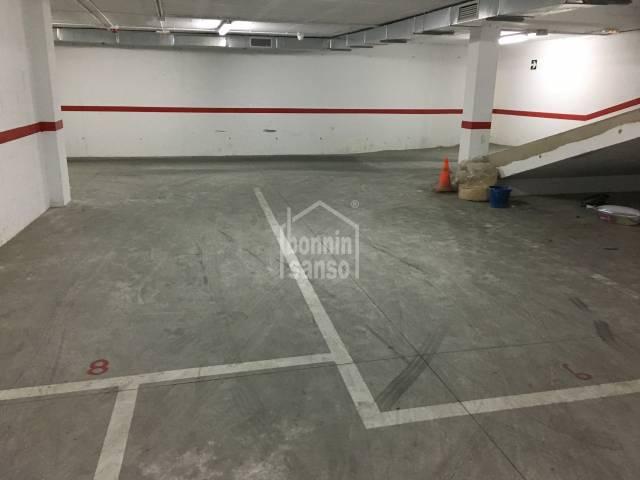 Plaza de parking en Alayor