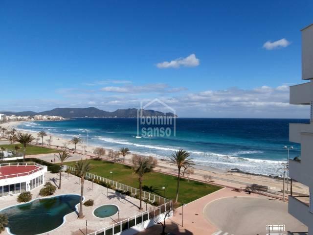 Apartamento en primera linea con vistas al mar
