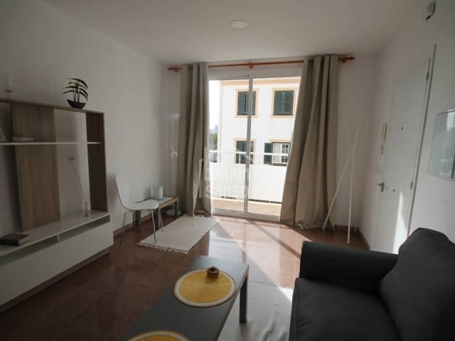 Apartamento reformado de dos dormitorios, en Es Castell, Menorca.