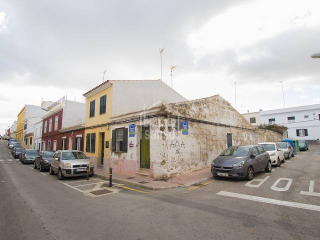 Townhouse/Buildable in Es Castell (Town)