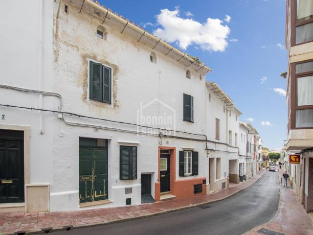 Pretty 3 storey house with garden and patio in the center of Alayor, Menorca
