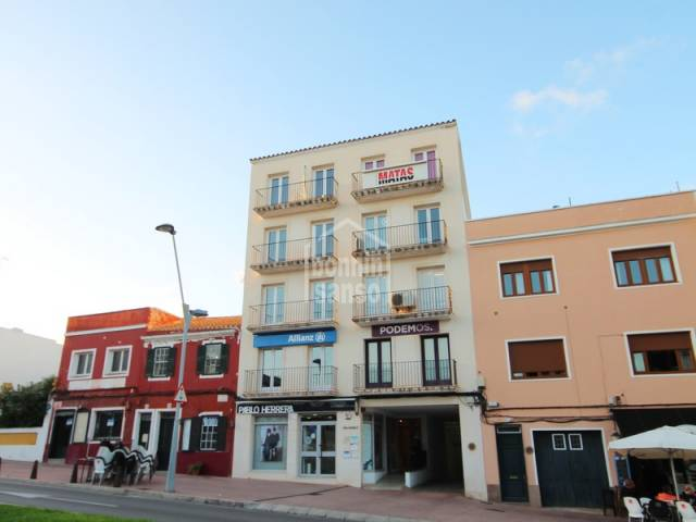 Two adjoining premises on fourth floor, with lift, in Mahon, Menorca