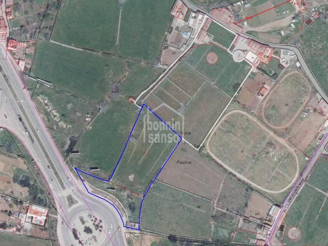 Grundstück/gelände in Mahón