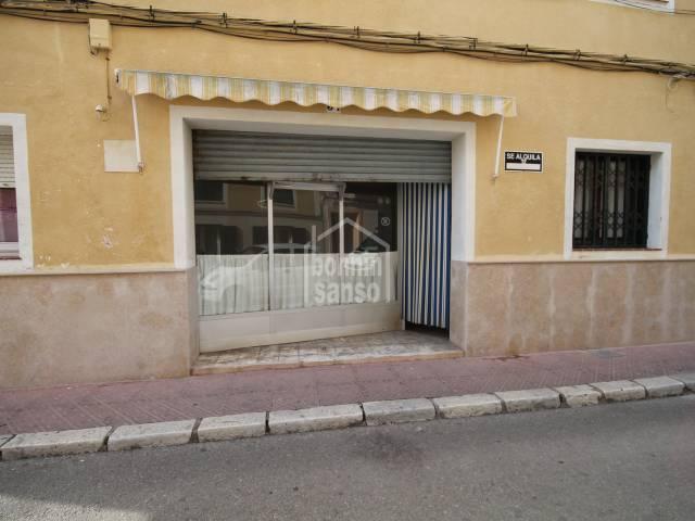 Local Comercial en Mahón ideal para tienda o despacho