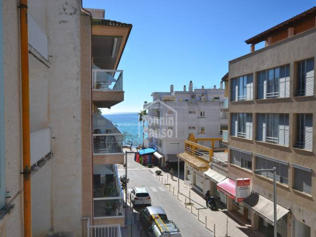 Nice 2 bedroom apartment just 1 min from the beach of Cala Millor. With 2 parking spaces.