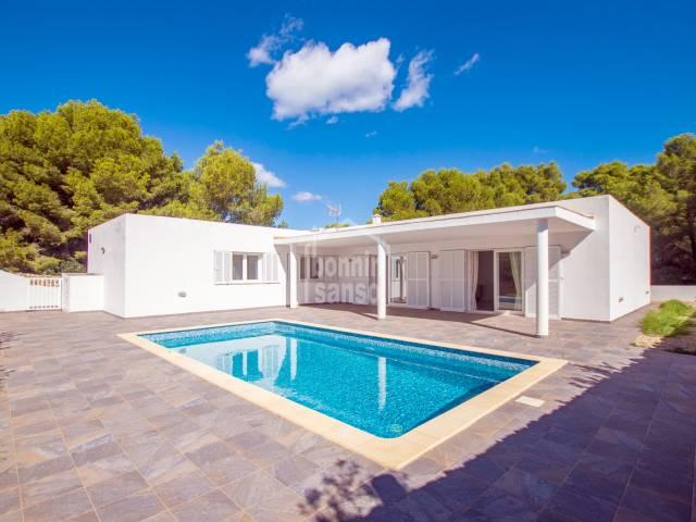Moderno chalet en costa norte de Menorca