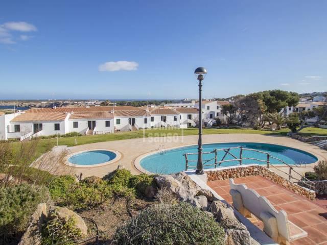 Apartment an der wundervollen Bucht Areneal in Menorca.