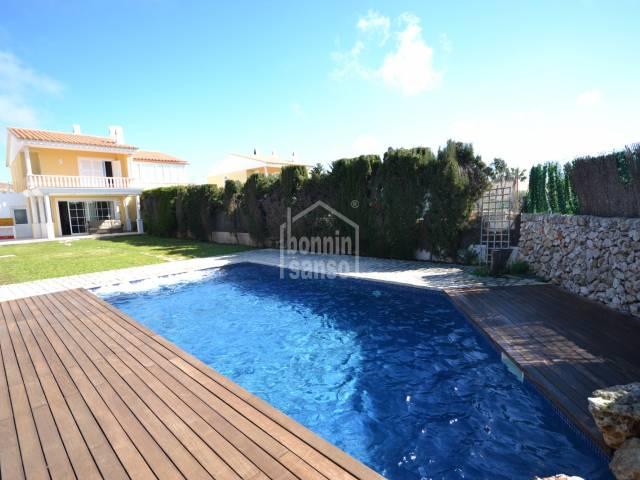 Chalet semi-adosado con piscina privada en Son Blanc