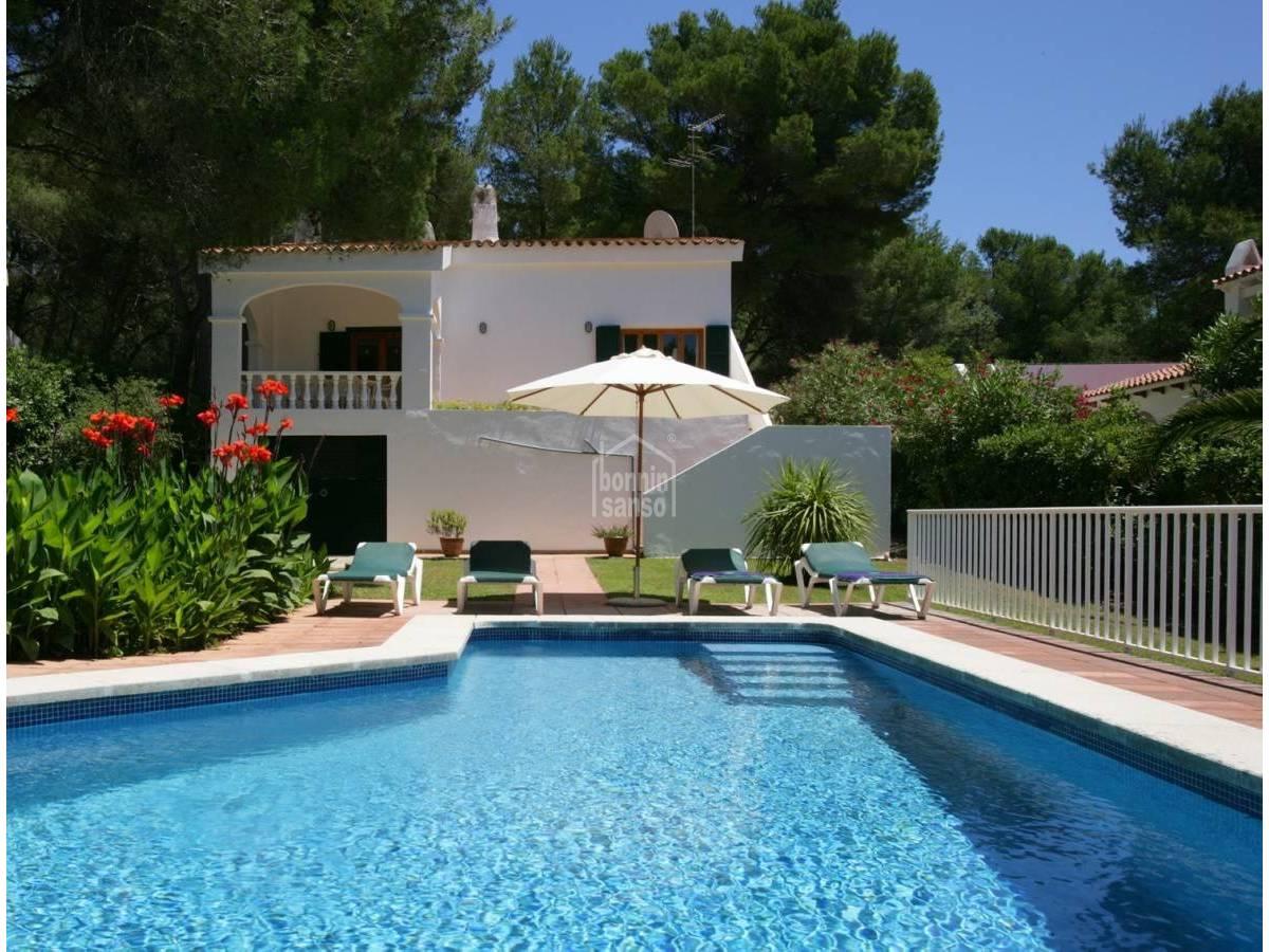 Comprar precioso chalet con piscina en son parc 24476 - Chalet con piscina ...